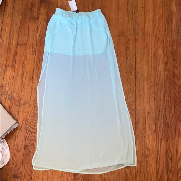 H&M Dresses & Skirts - ✨3/$15 Divided by H&M skirt